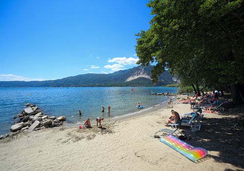 SANDY BEACH NEAR THE MAXI A LAGO