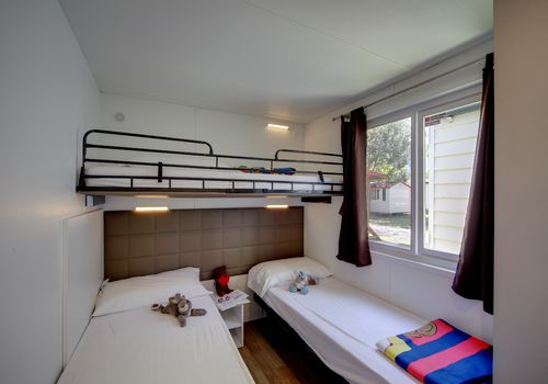 MAXI SPACE - BEDROOM WITH SINGLE BEDS
