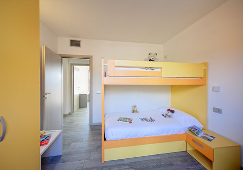 TRILO LAGO - BEDROOM WITH BUNK BED