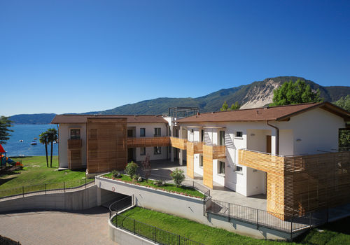 TRILO LAGO APARTMENTS WITH LAKE VIEW