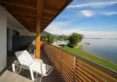 TRILO LAGO - TERRACE WITH VIEW OF THE LAKE