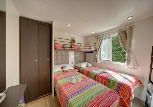 MAXI PRESTIGE IN THE AREA 210-230 - BEDROOM WITH SINGLE BEDS