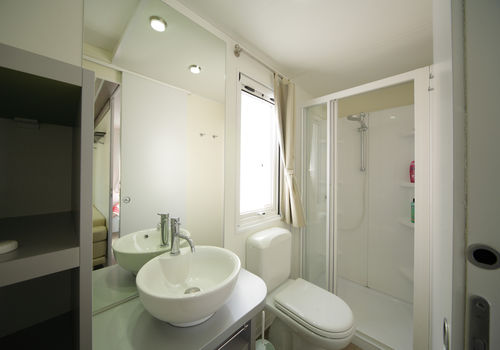 MAXI PRESTIGE IN THE AREA 210-230 - BATHROOM